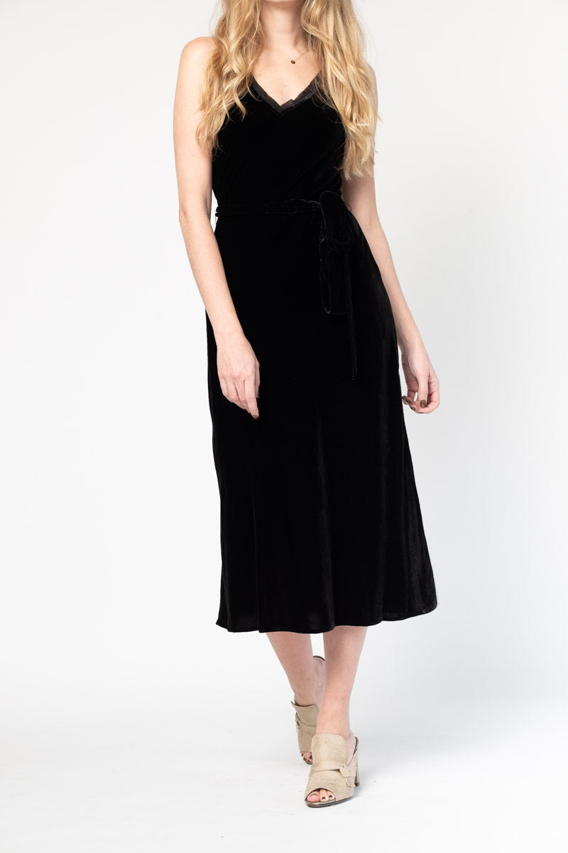 Slip Velvet Dress in Noir