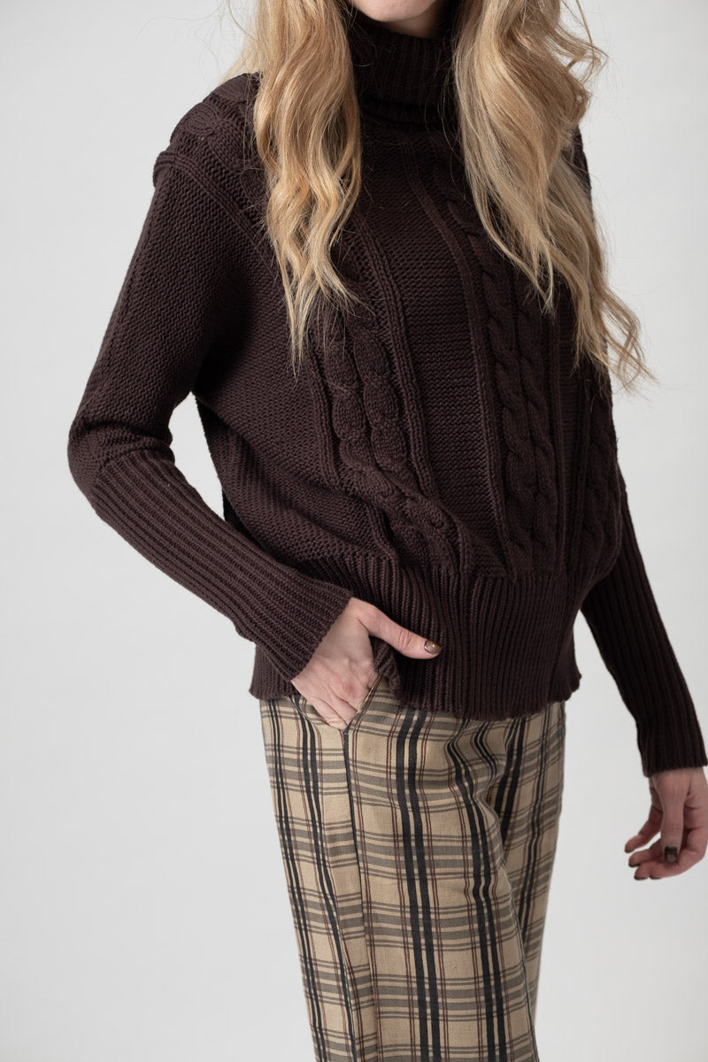 Leo Knit Sweater in Plain Brown