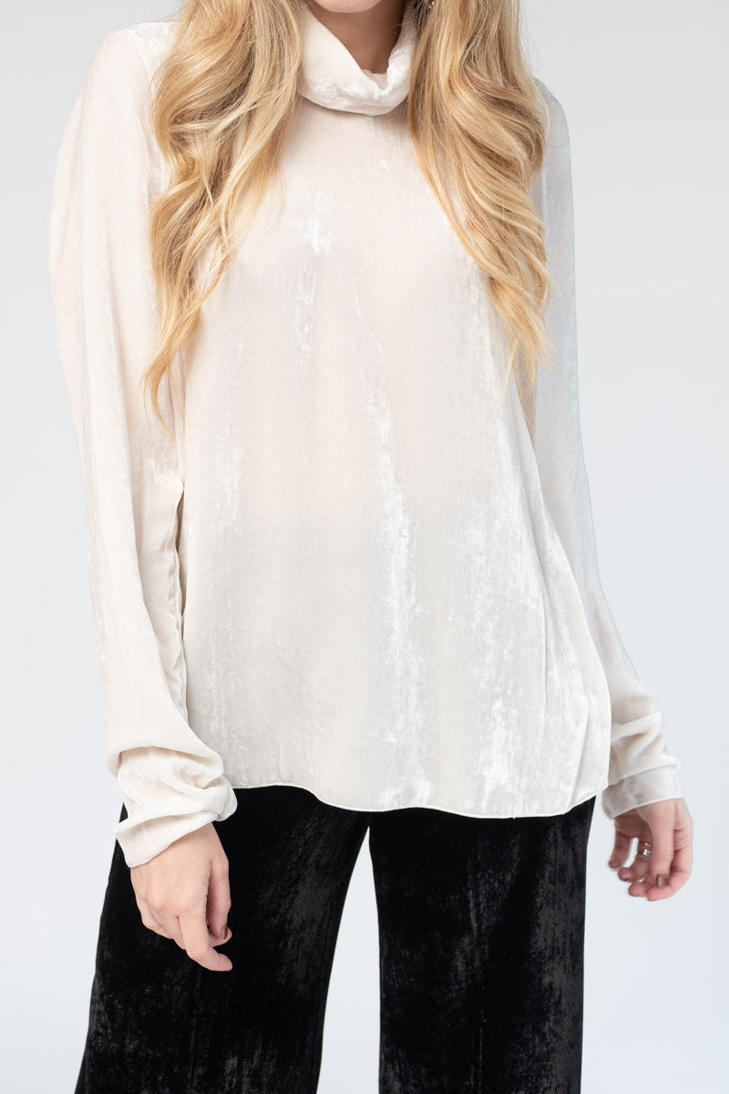 Velvet Turtleneck Top in Naturale