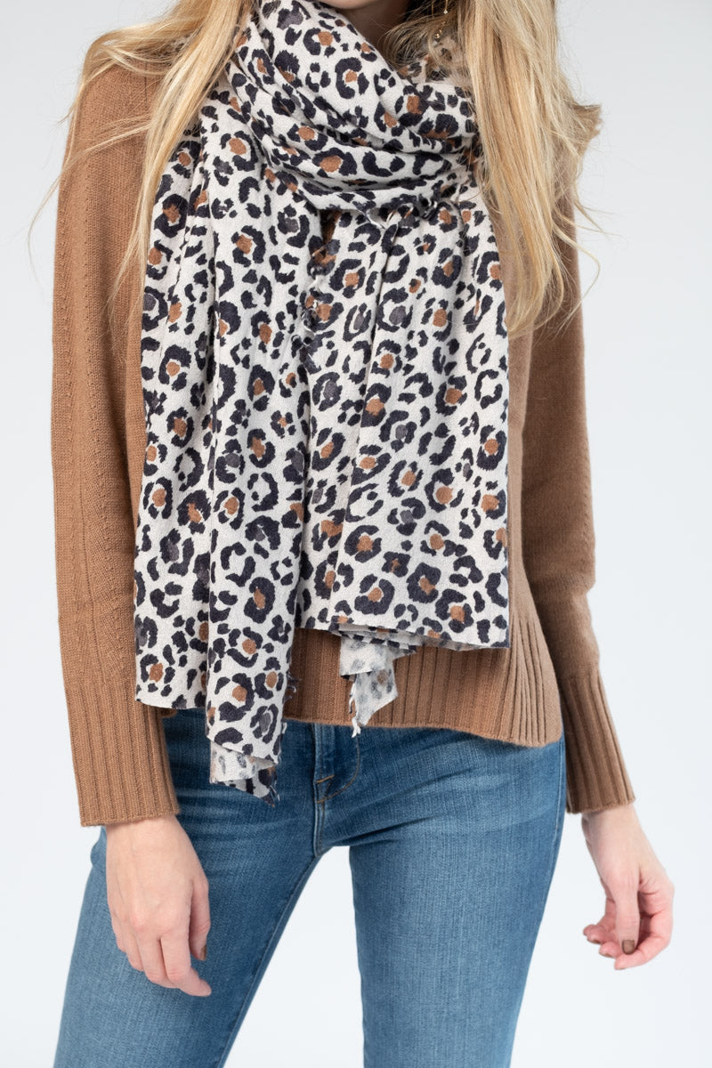 Cashmere Scarf in Animal Print Camel