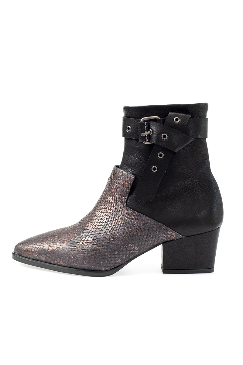 Low Leather Boot Nodo in Nero