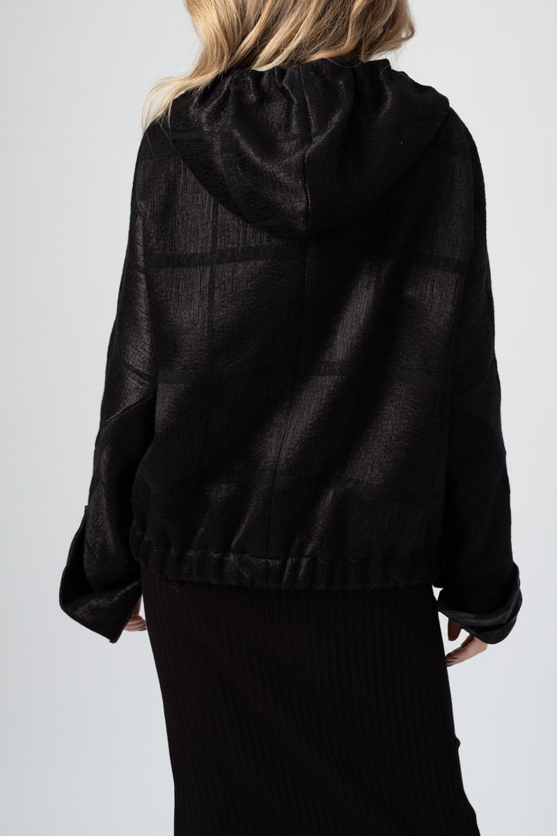 Wool Coat With Shiny / Matt Check in Black