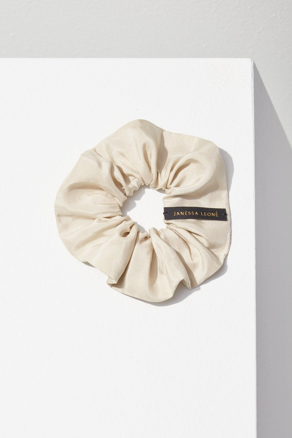 Silk Scrunchie in Macadamia