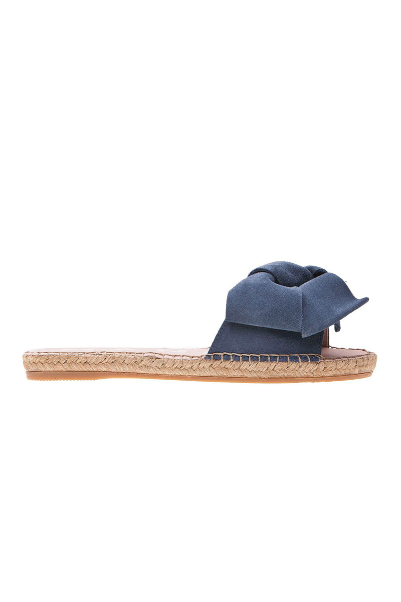 Hamptons Flat Sandals with Bow in Jeans