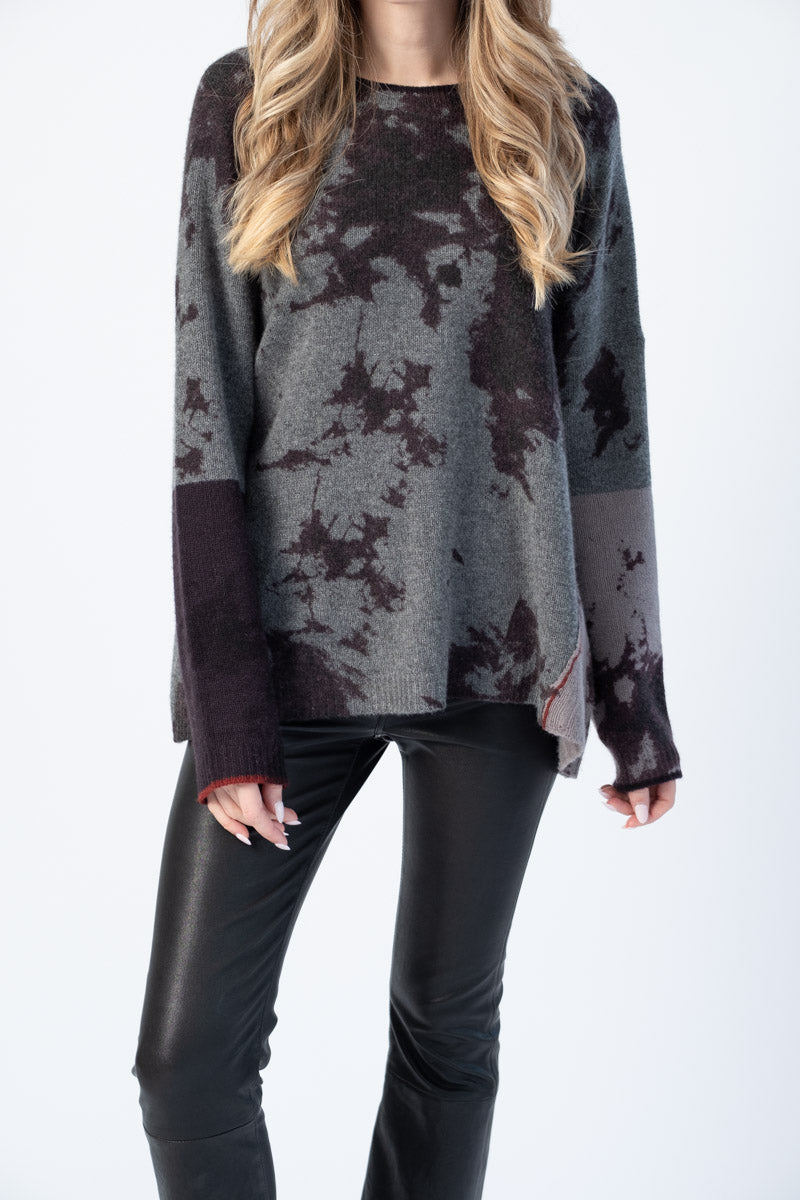 Cashmere Printed Block Crewneck Sweater in Thunder and Plum