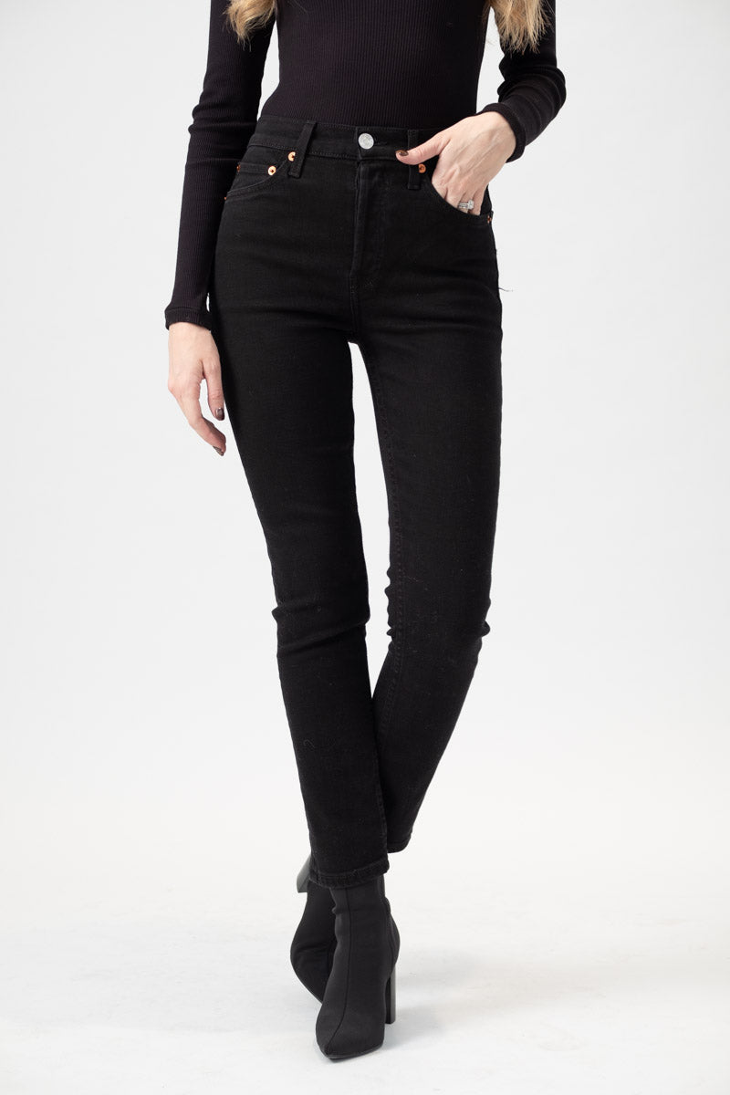 High Rise Ankle Crop in Black 99