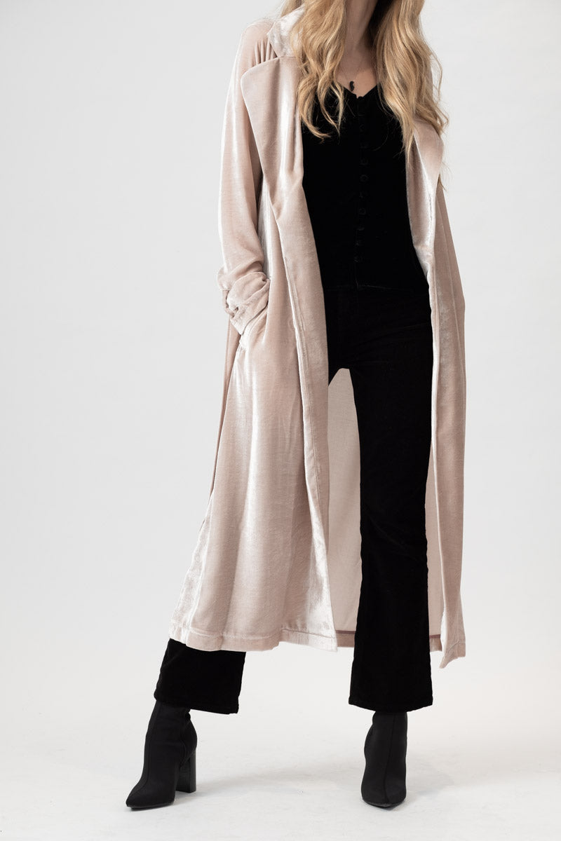 Velvet Trench Coat in Rosa