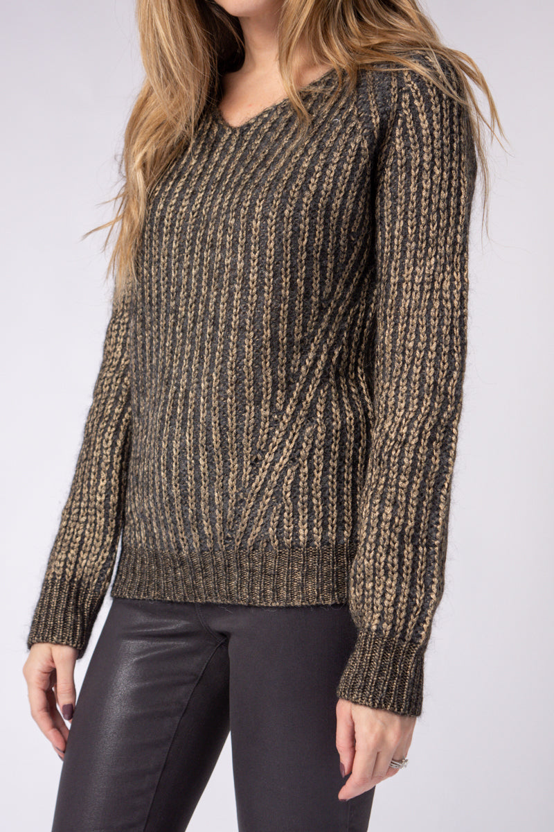 Pullover Sweater in Brownish Gold