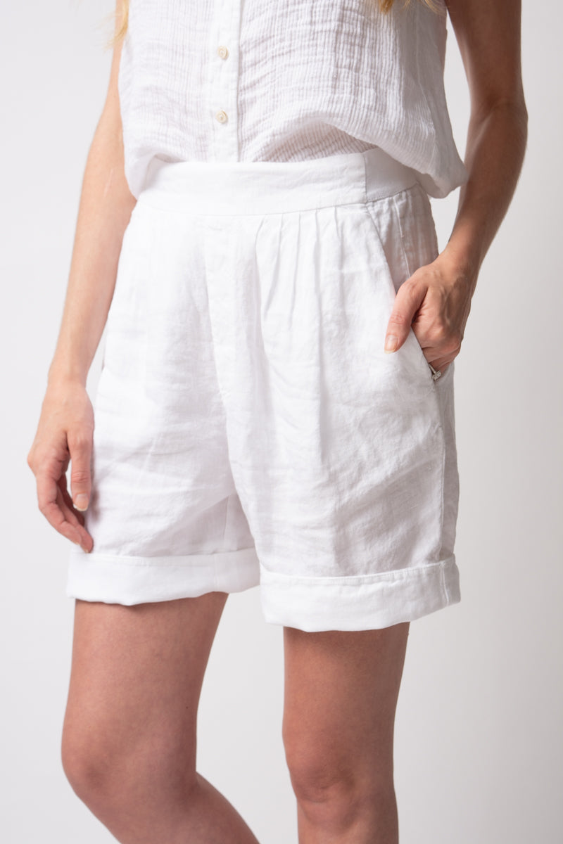 Linen Shorts in White