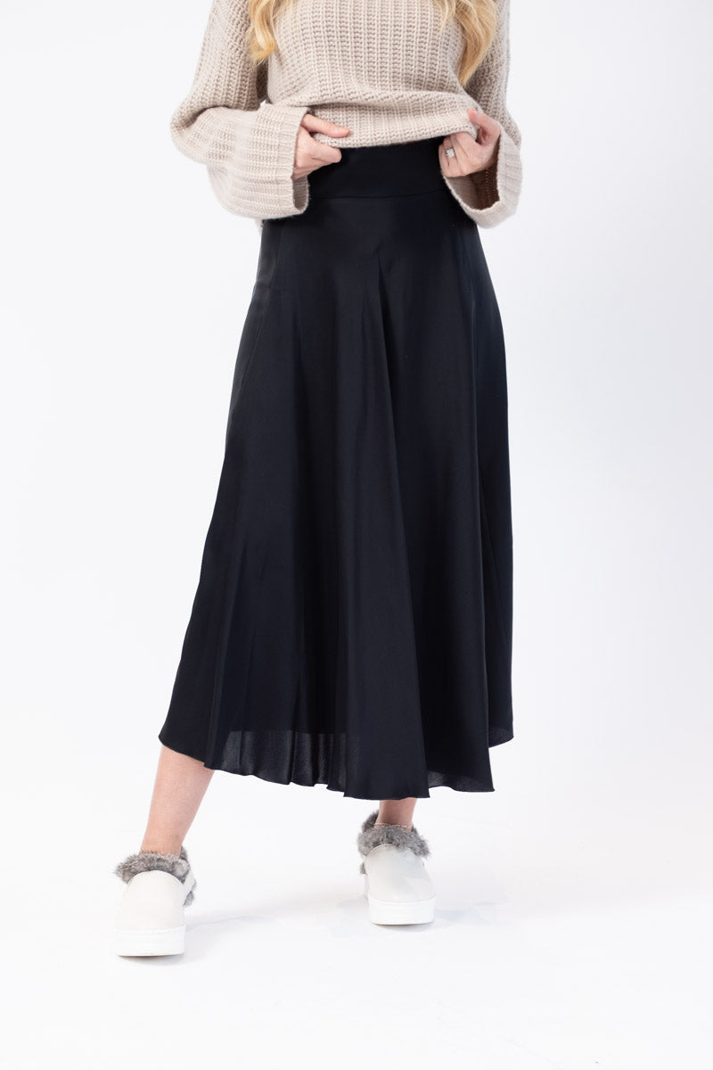 Long Woven Skirt in Dark Navy