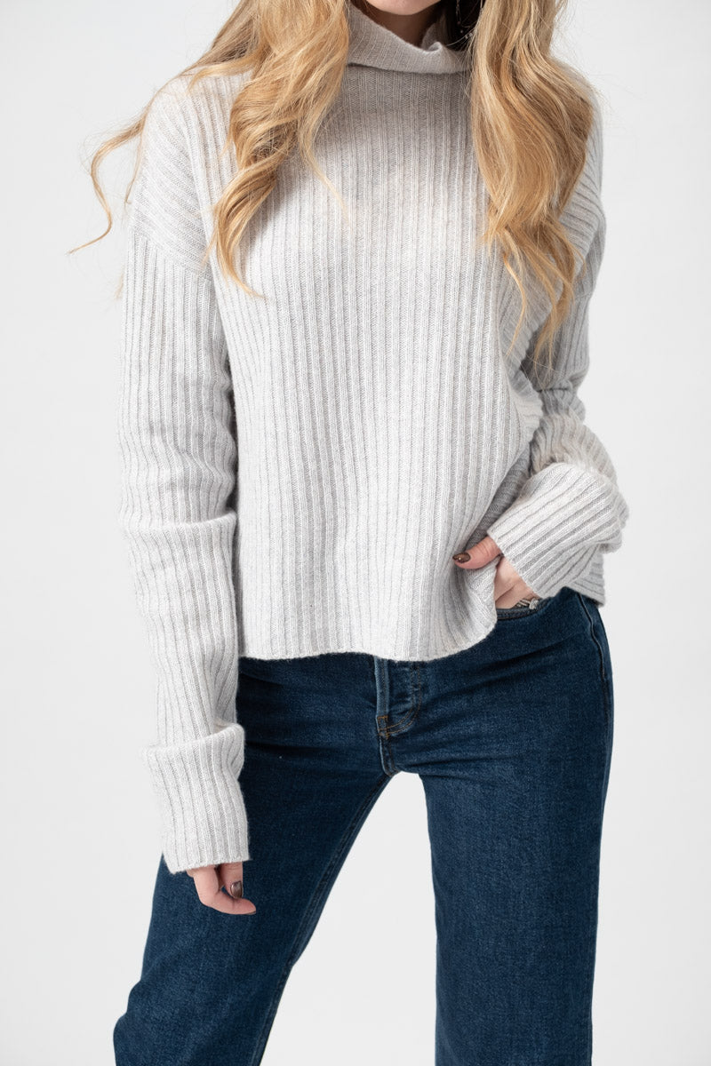 Turtleneck Sweater in Ash