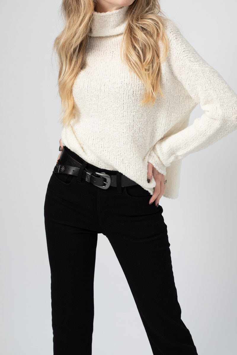 Virgin Wool Turtleneck Knit Jumper in Off White