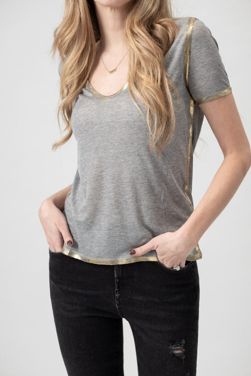 Tino Gold U-Neck Tee in Gris Mélange