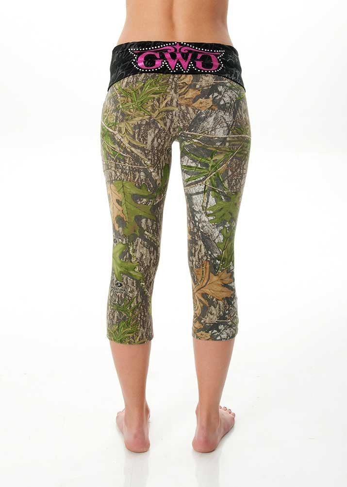 Capri Lounge Pants Mossy Oak Obsession® - Girls With Guns - 1