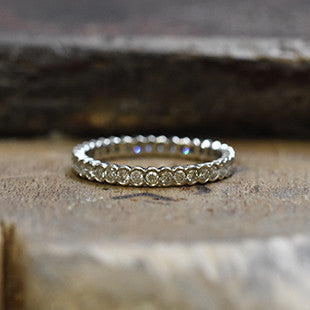 Scallop full eternity ladies ring in platium