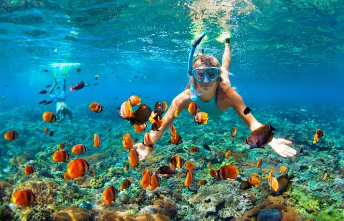 How Do You Keep Valuables Safe While Snorkeling?