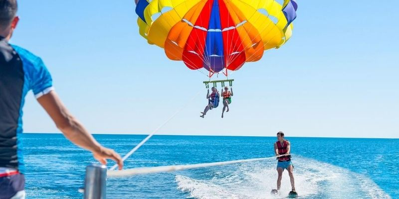 Best waterproof pouch for parasailing