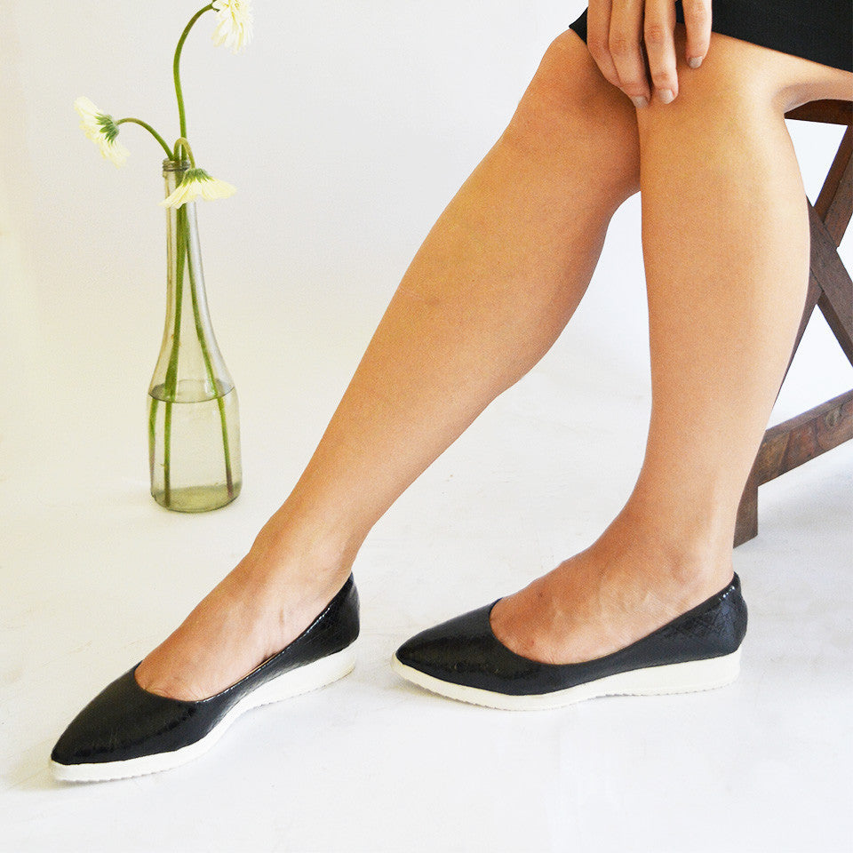 Textured Black Flatform Ballerinas