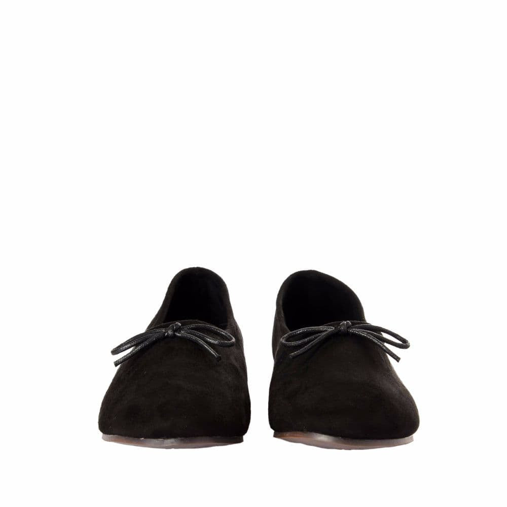Simple Suede Black Shoes - Joker & Witch - 9