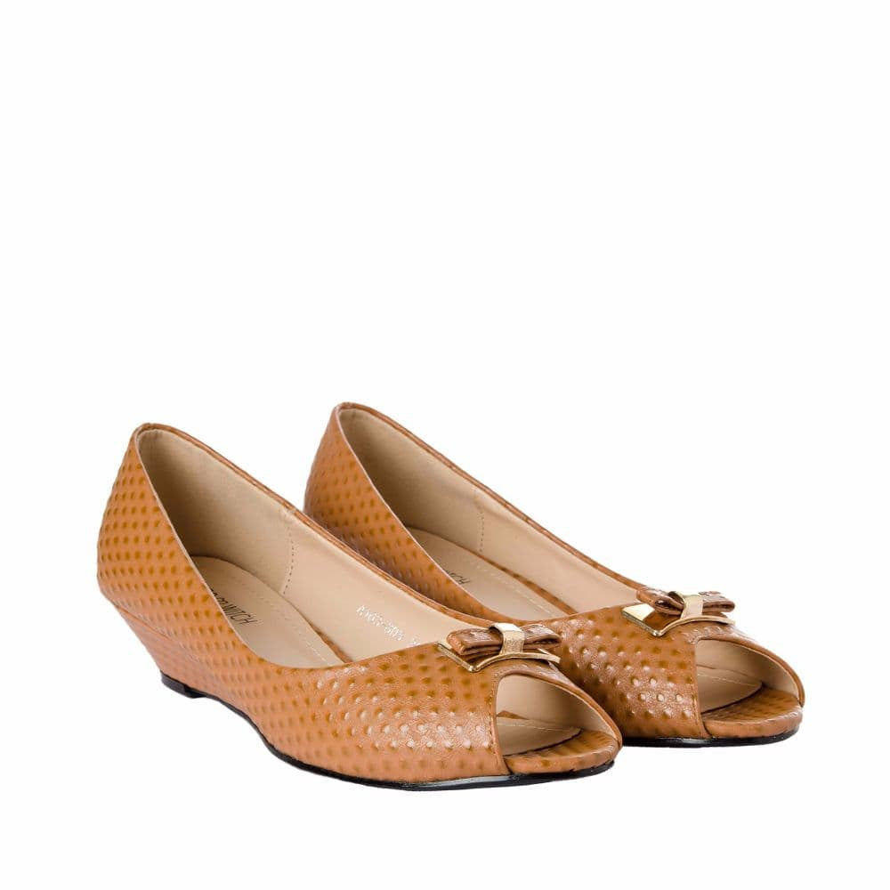 Ostrich print Tan Peep- toed wedges - Joker & Witch - 7