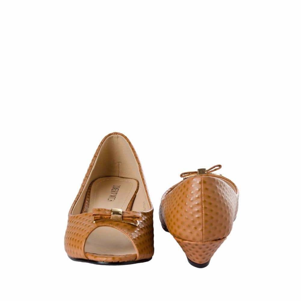 Ostrich print Tan Peep- toed wedges - Joker & Witch - 10