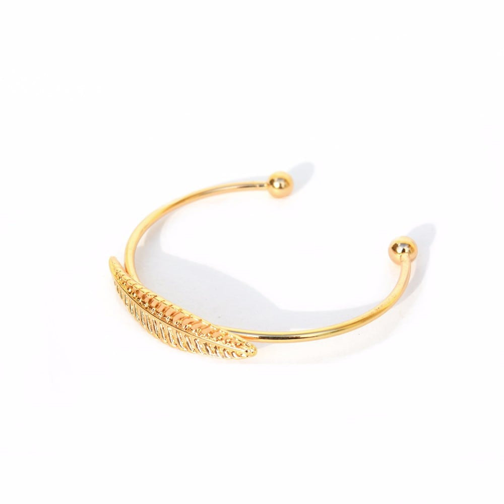 Single leaf gold bracelet