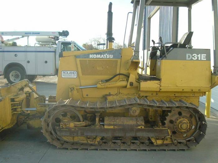 Komatsu D31E-20 D31P-20 D31PL-20 D31PLL-20 Official Workshop Service Manual