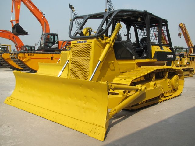 Komatsu D85E-SS-2 Bulldozer Official Workshop Service Repair Technical Manual