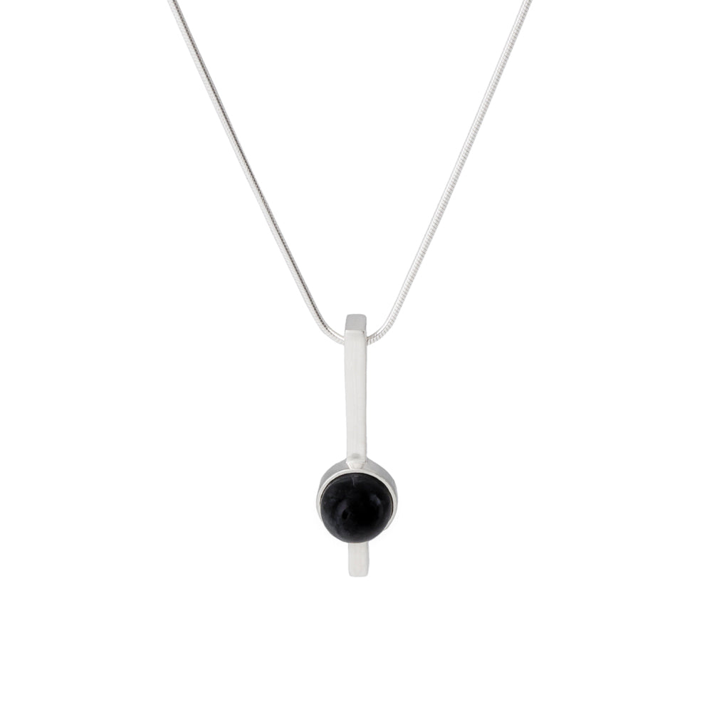 Bar Pendant Cairn Black Onyx
