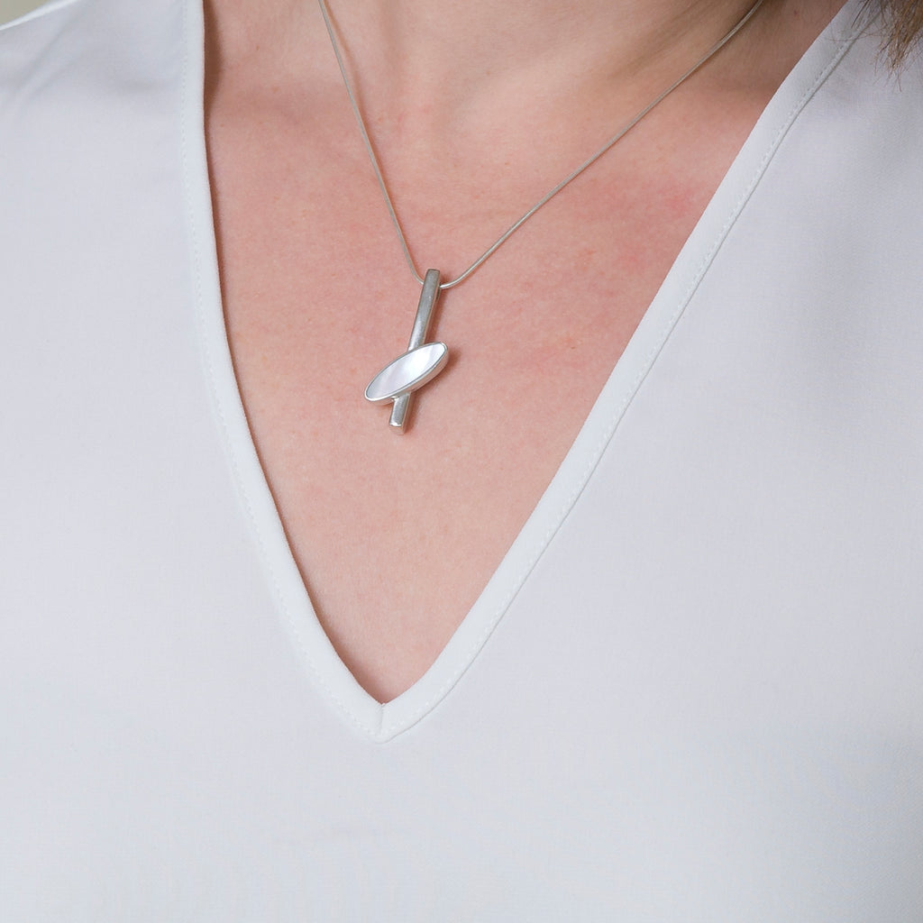 Bar Pendant Bourn Mother of Pearl