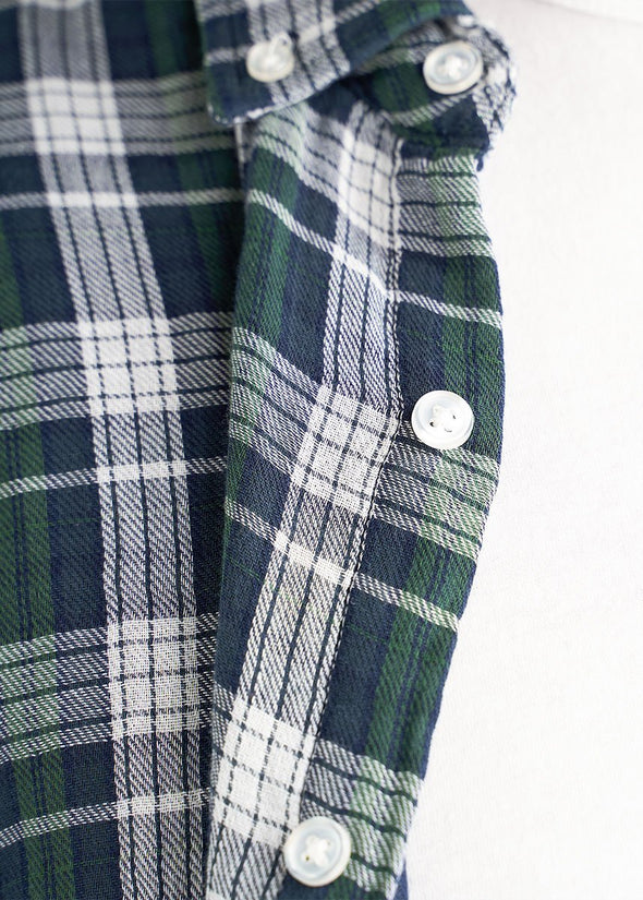 american-tall-mens-double-weave-forestgreen-whiteplaid-detail