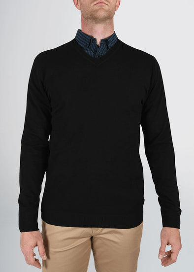 american-tall-mens-fitted-vneck-black-front