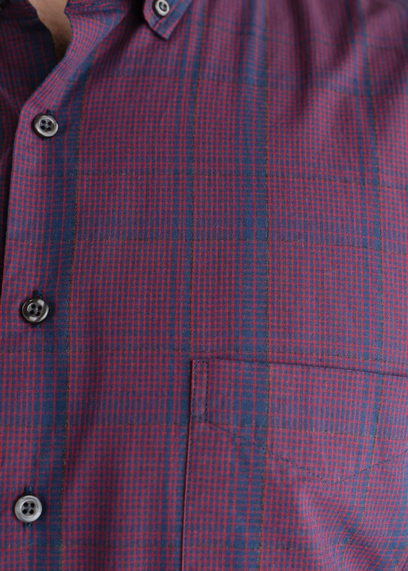 american-tall-mens-softwash-maroonnavy-detail