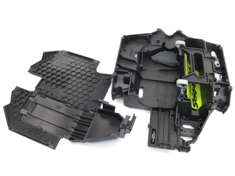 Unlimited Desert Racer UDR - CHASSIS, Skid Plate & Battery Door Traxxas 85076-4