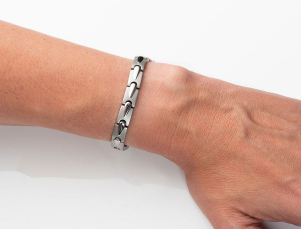 womens-magnetic-therapy-balance-bracelet-2.0-pain-relief-increase-circulation-cleans-blood