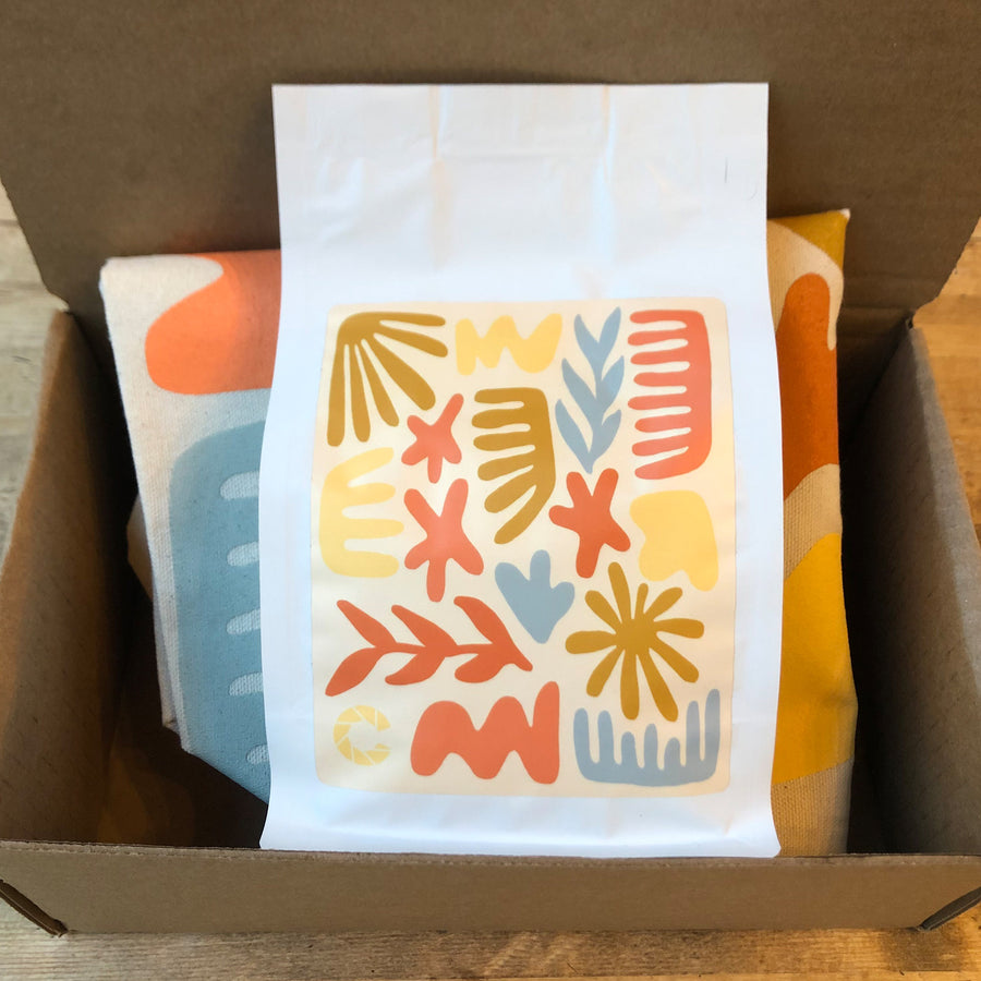 Color Coffee Artist Tote and Coffee in a box