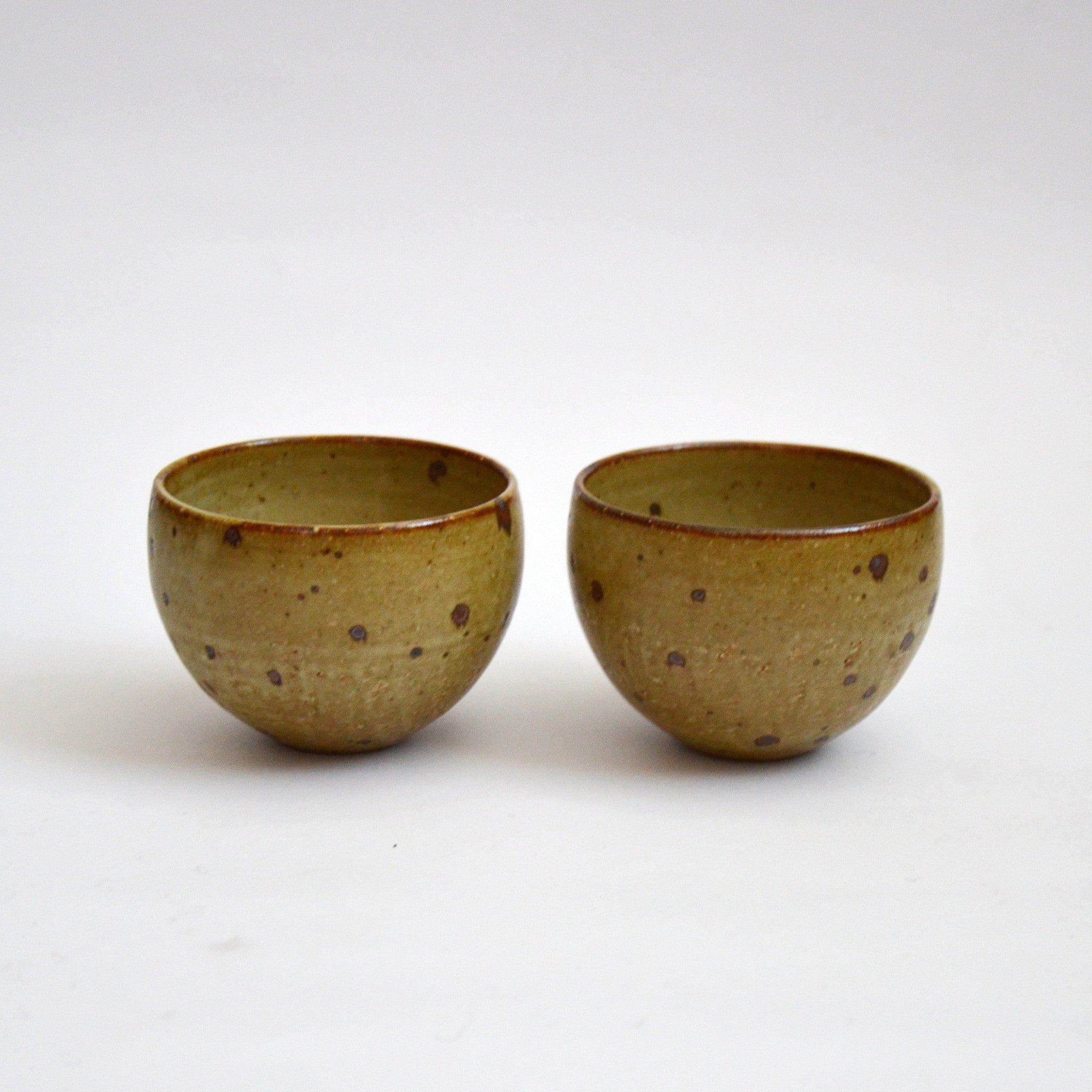 Matte Glazed Kohiki Teacups Round Pair