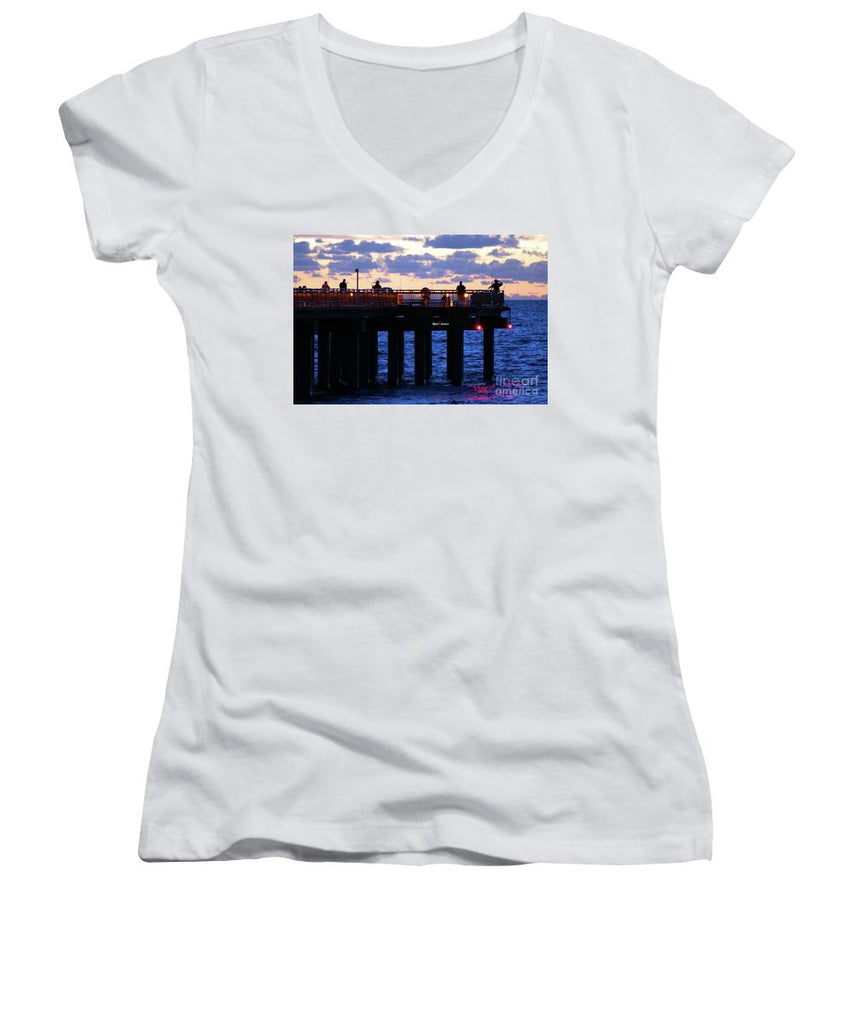 Women's V-Neck T-Shirt (Junior Cut) - Early Fishing