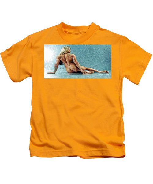 Kids T-Shirt - Woman In A Flattering Pose