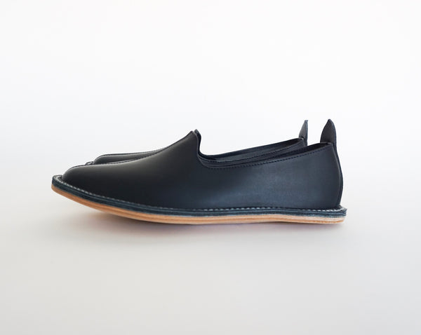 Vayarta Mens Classic Slip On Moccasin - Midnight