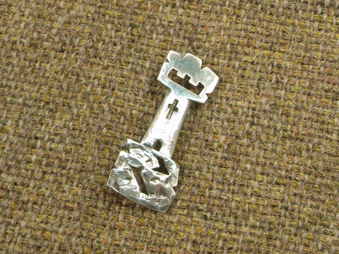 """Castle"" - Scottish Kilt Pin / Brooch in Silver"