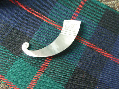 """Horn"" - Scottish Kilt Pin / Brooch in Silver"