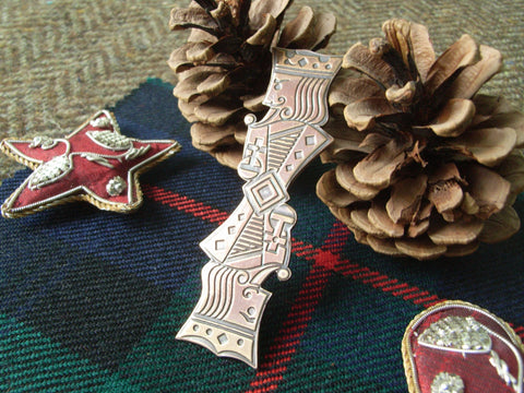 """Kings"" - Scottish Kilt Pin in Bronze"