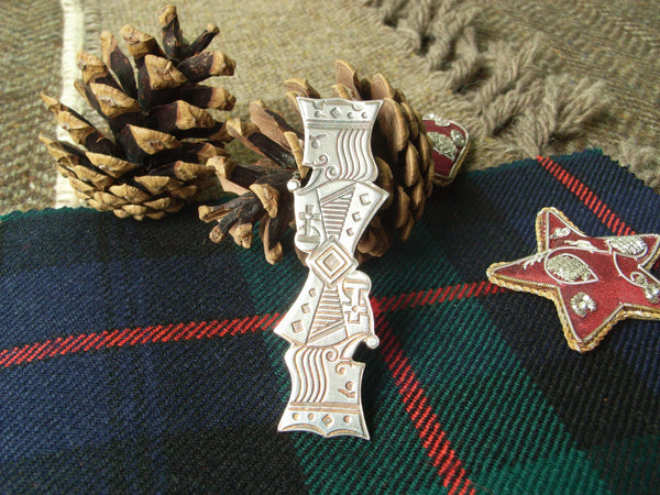 """Kings"" - Scottish Kilt Pin in Silver"