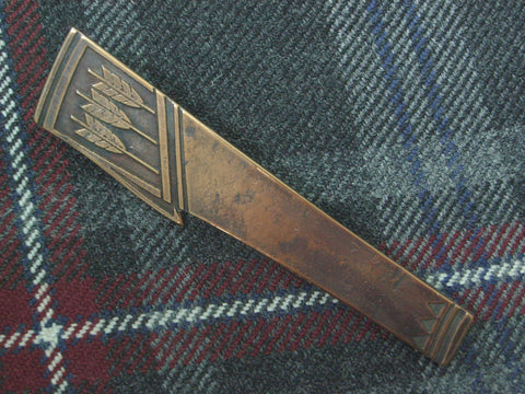 """Quiver"" - Scottish Kilt Pin in Bronze"