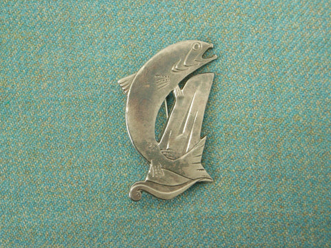 """Salmon"" - Scottish Kilt Pin / Brooch in Silver"