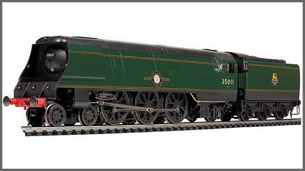 """'Merchant Navy' 35011 """"General Steam Navigation"""" in BR green with early emblem (R3971)"""