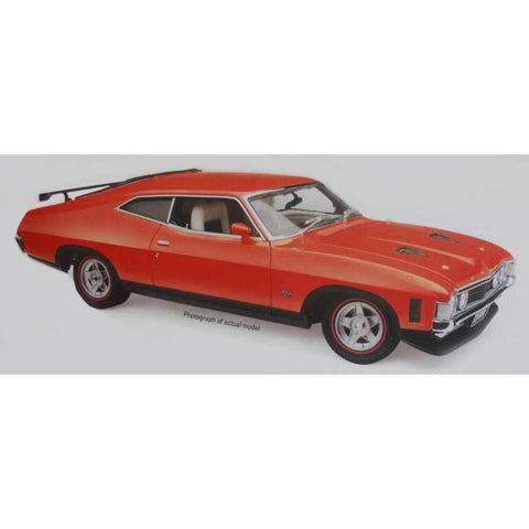 CLASSIC CARLECTABLES 1:18 Ford XA Falcon - Red Pepper Coupe (18640)