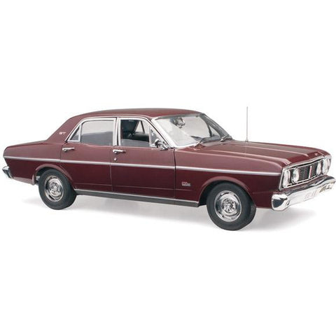 CLASSIC CARLECTABLES 1/18 FORD XT FALCON VINTAGE BURGUNDY