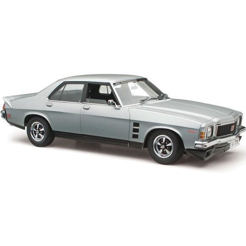 CLASSIC CARLECTABLES 1/18 Holden HJ Monaro GTS Satin Mist M